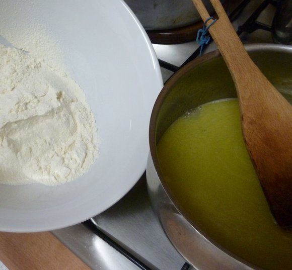 la pâte à choux étape 2